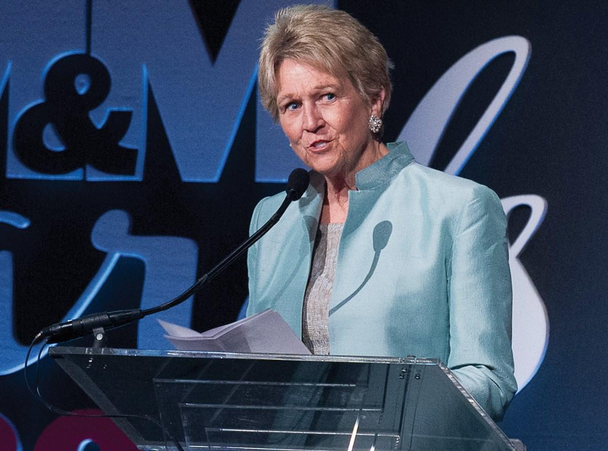 "2015 MM&M Platinum Award winner, Carolyn ""Bo"" Aldigé, founder, president and CEO of Prevent Cancer Foundation"