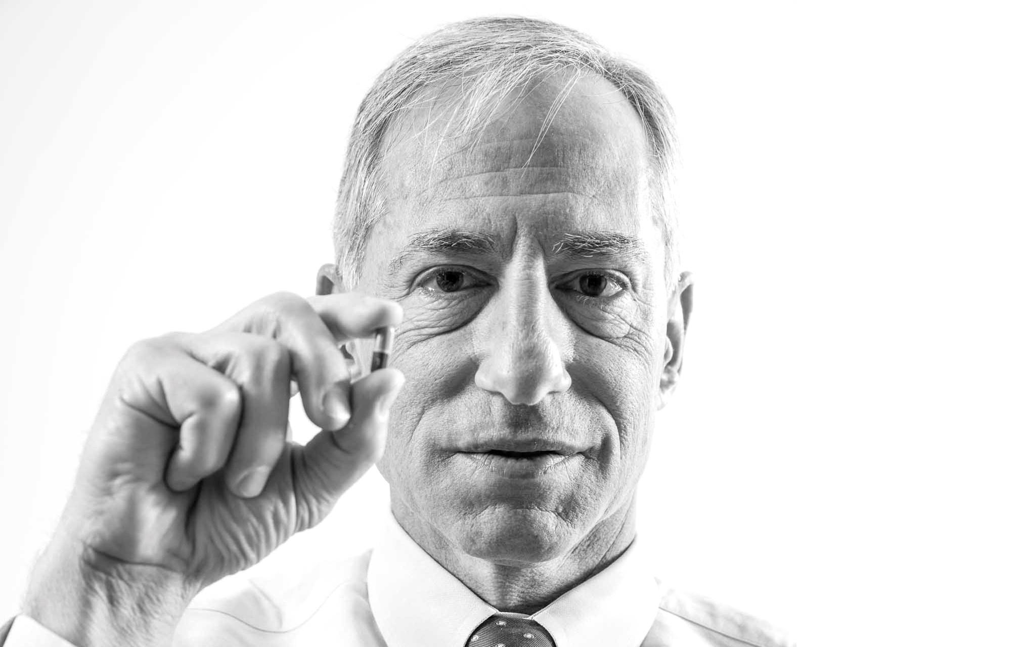 Express Scripts' Steve Miller takes on drug industry in pricing battle