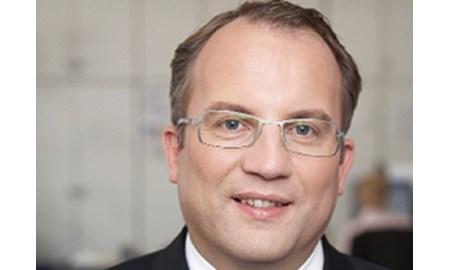 """Flörkemeier: Edelman and LEO are """"right team match"""""""